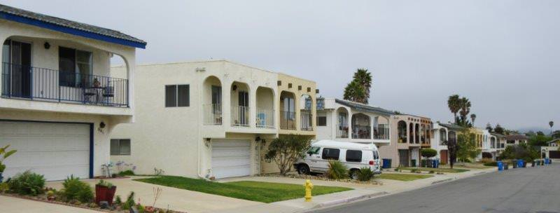 Vista Pacifica Pismo Beach  two story Homes on Street